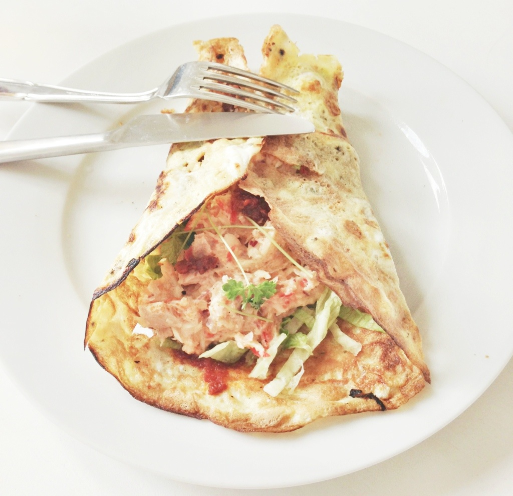 Opskrift på æggewrap lukket sammen med tunsalat. Den perfekte hjemmelavede wrap lavet på æg.
