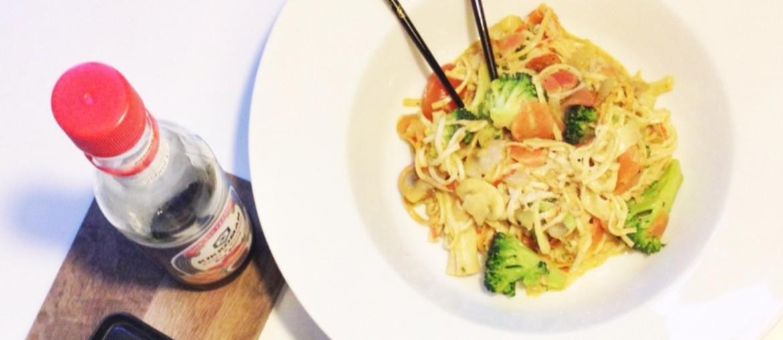 wok opskrift sund aftensmad med masser af grøntsager og surimi
