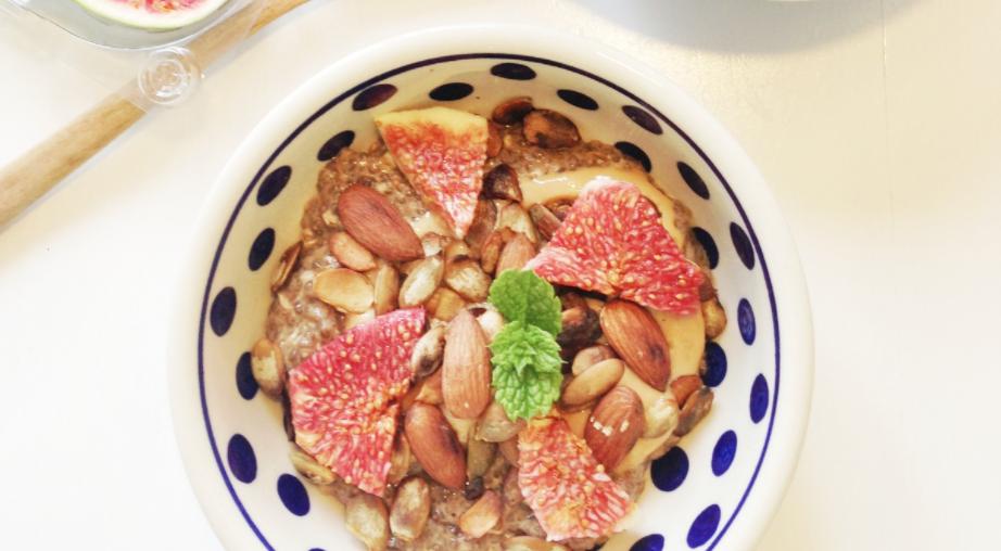 Chiagrød med chiafrø til morgemad