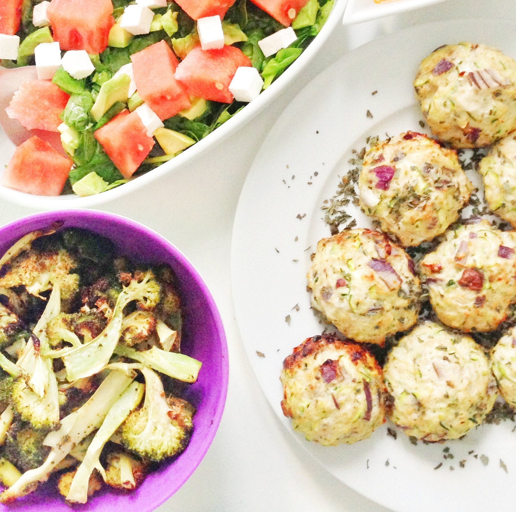 hjemmelavede frikadeller med kylling og nødder og squash. Sunde frikadeller som er nem hverdagsmad