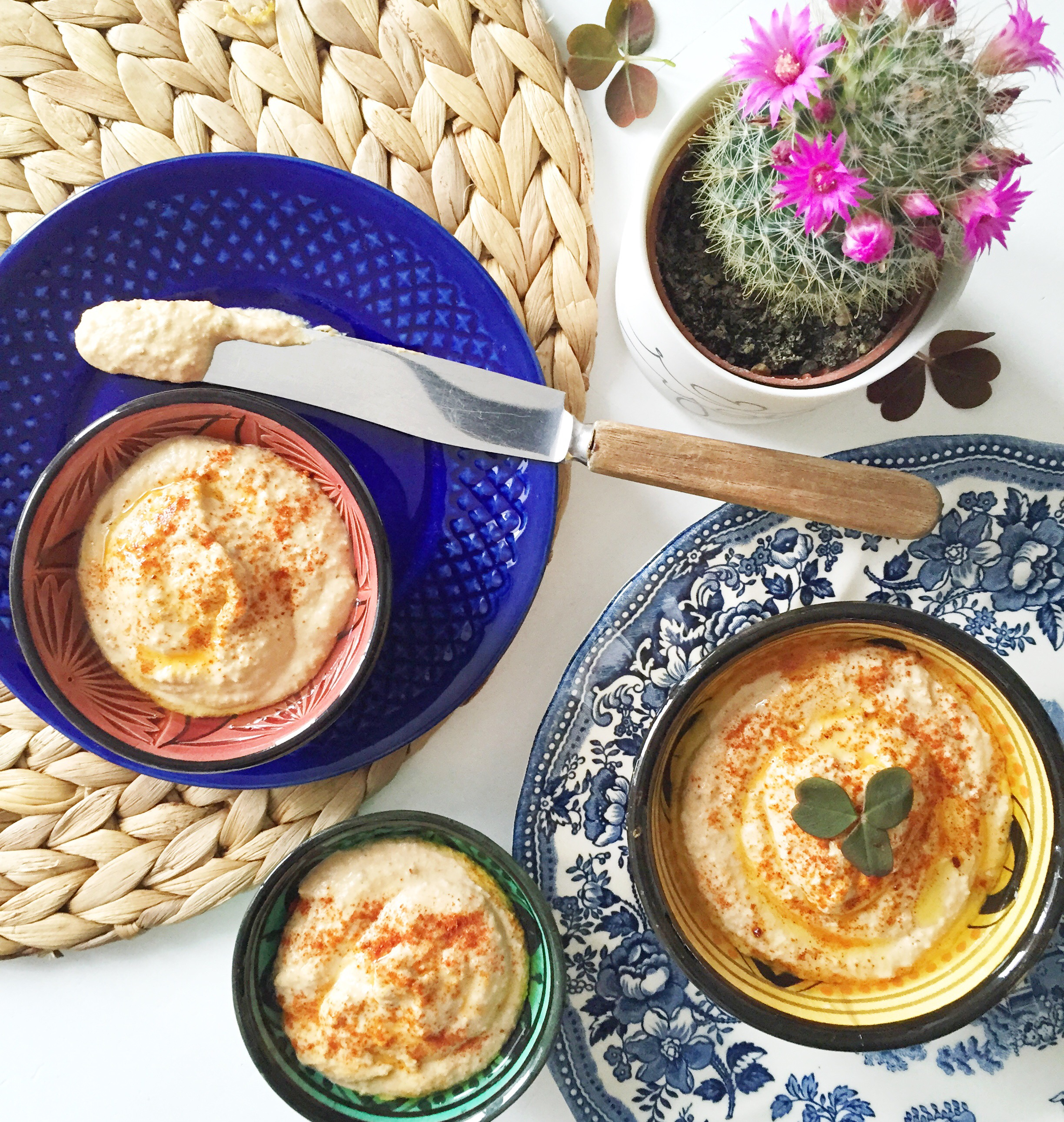 Lækker, hjemmelavet hummus. Udtales humus. Perfekt vegetarisk og vegansk snack.