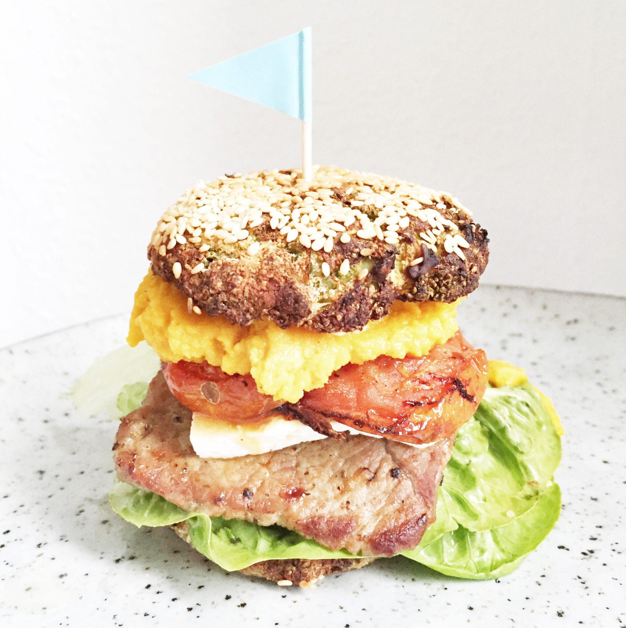 sund burger med broccoliboller og gulerodshummus