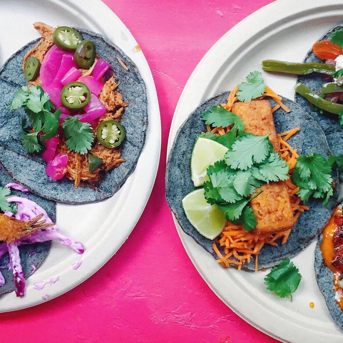 Blue taco - sunde tacos i København på Nørrebro med vegetariske og veganske muligheder. Tacos lavet på blå majs