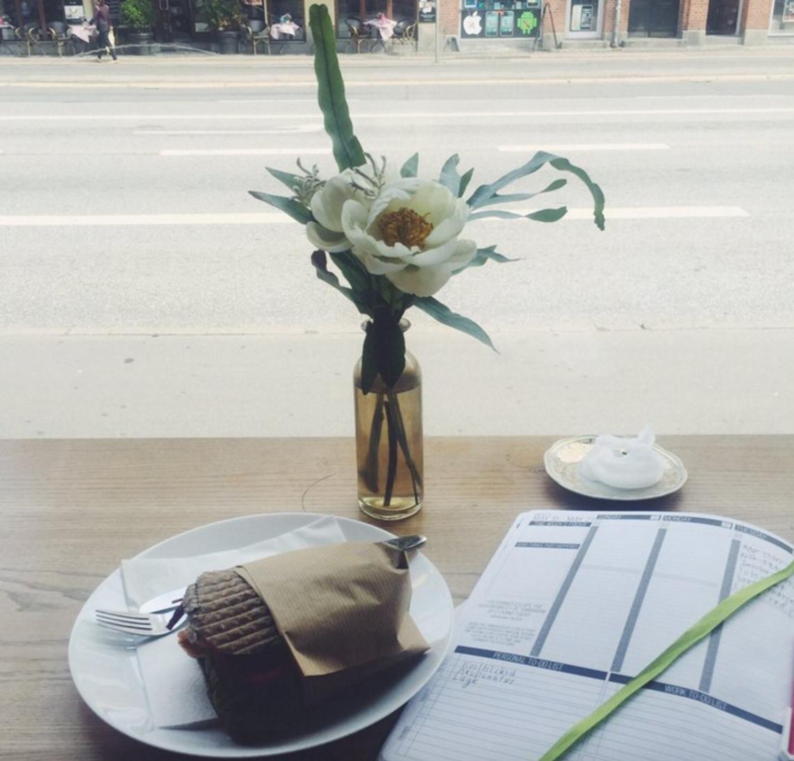 Hygge og arbejde på Kosta Kaffebar