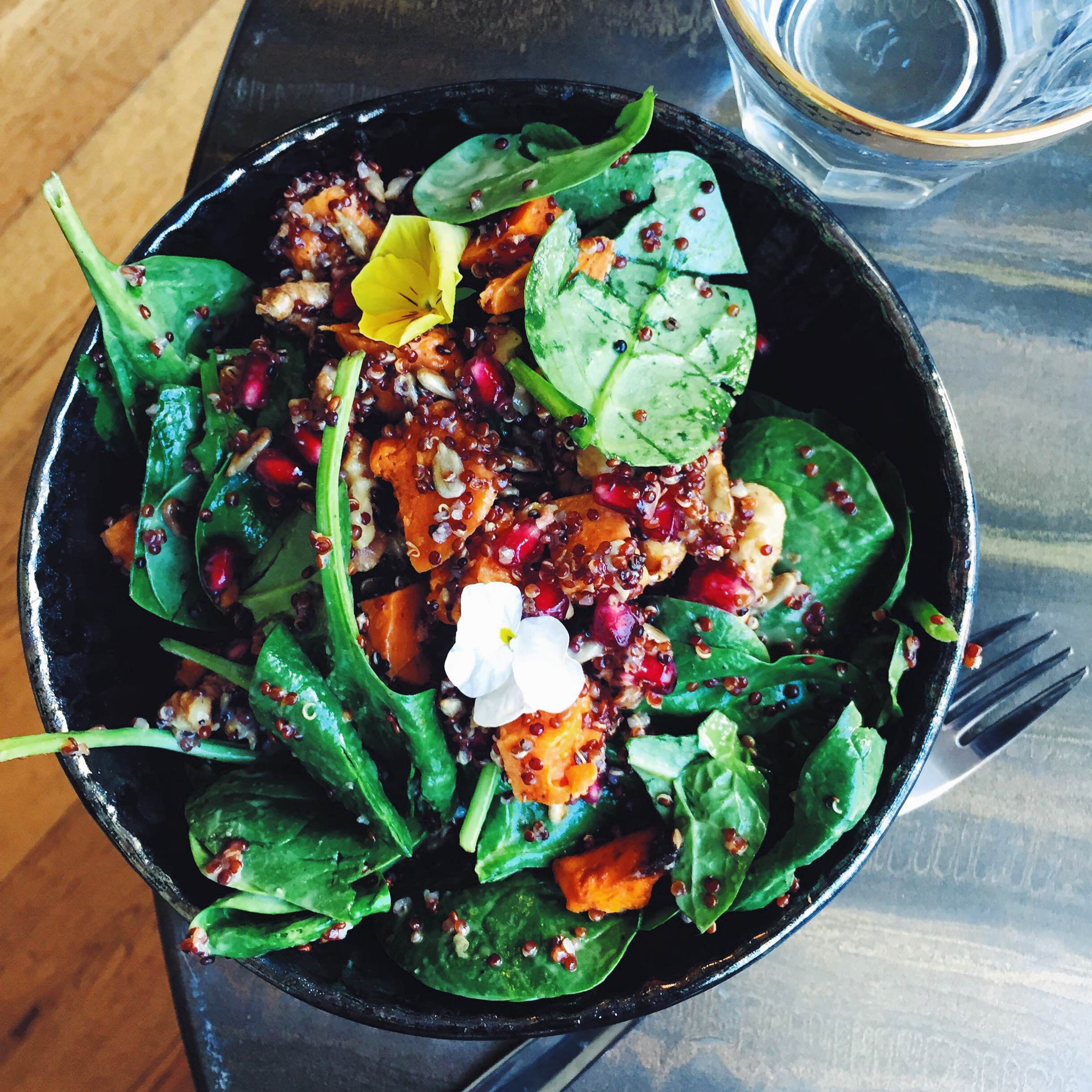 Sweet potato salat med granatæble