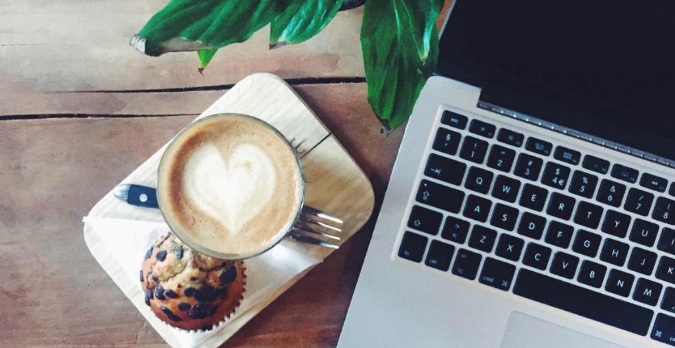 Kaffe og kage hos Social