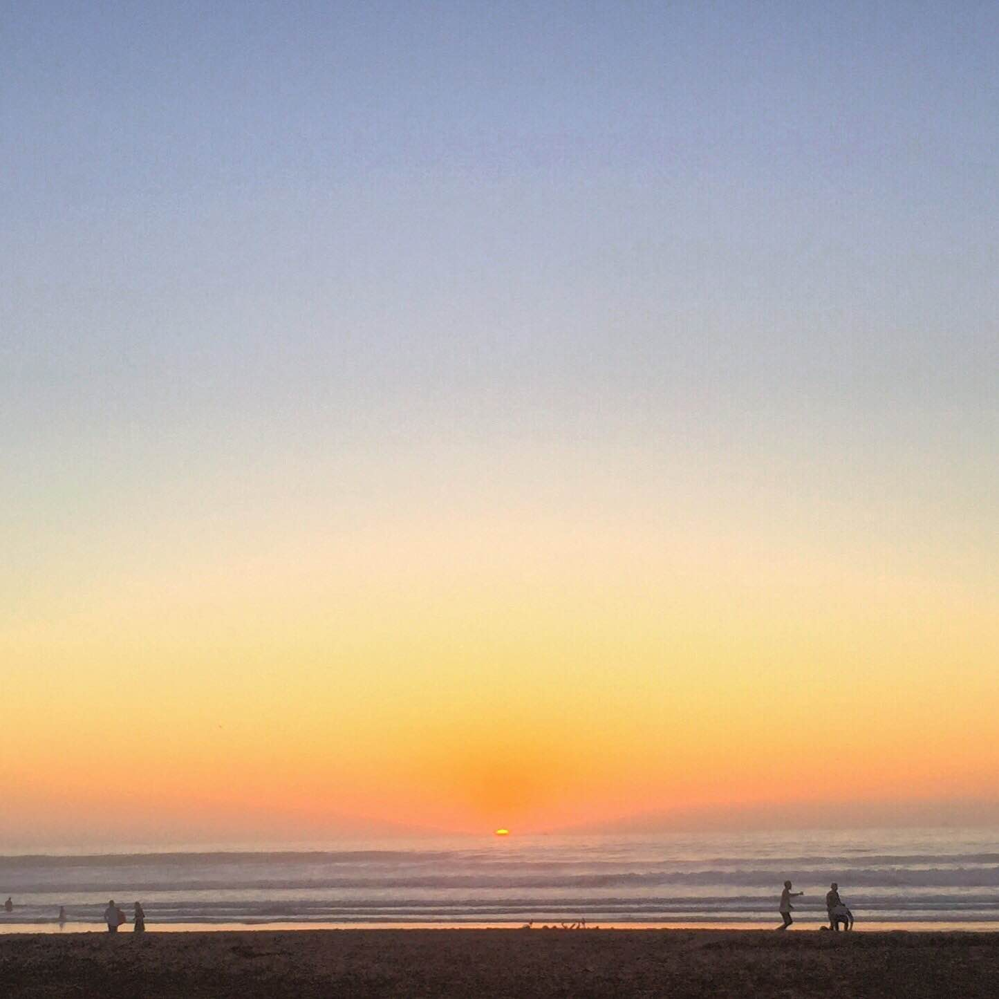 Sol og strand. Solnedgang i Agadir.