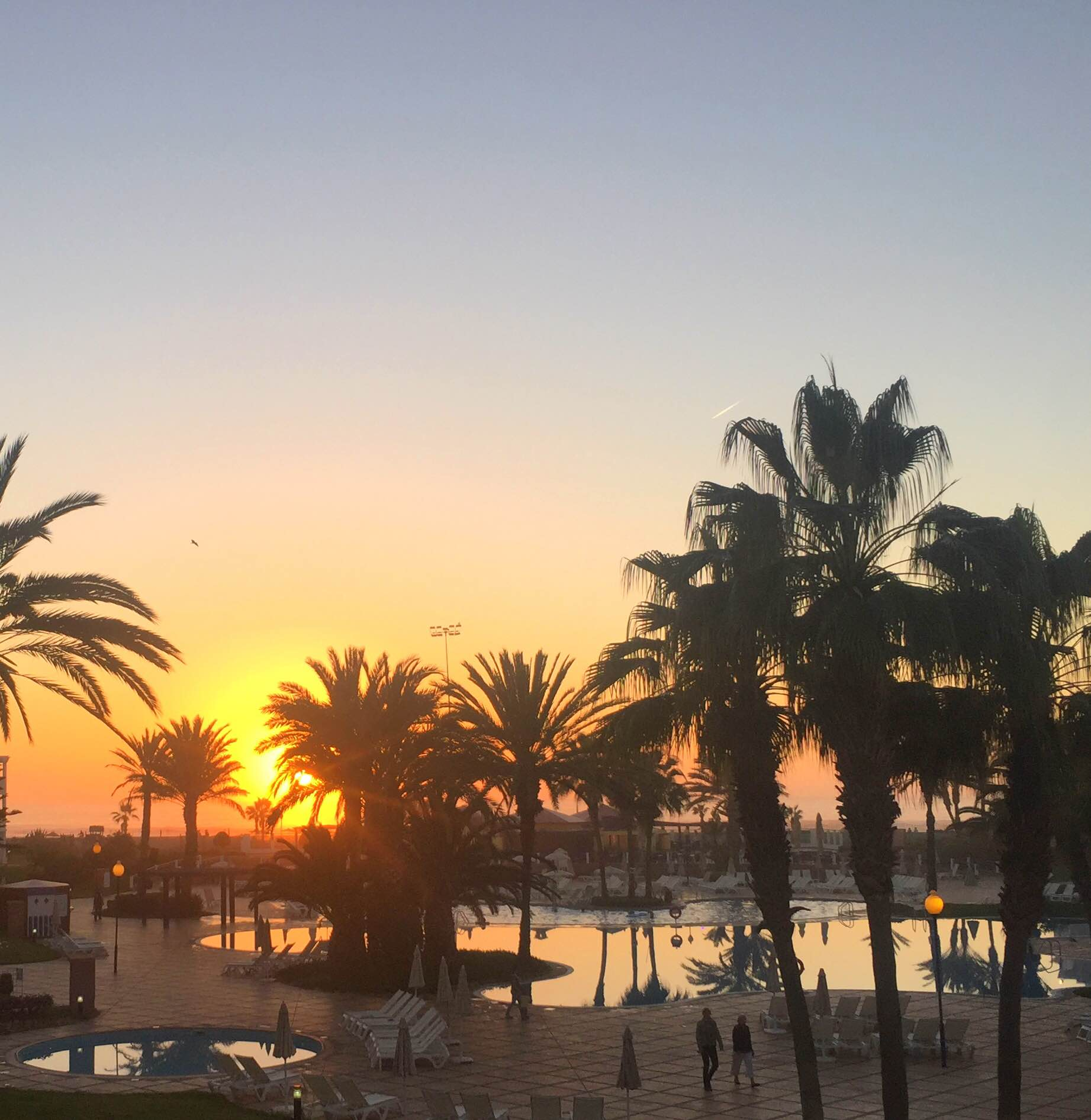 Både pool og strand i Agadir