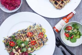 Okonomiyaki vafler med hoisinsauce og koriander