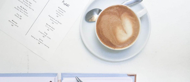 Kaffe og hygge hos Sonny. Ny café i København. Fed kalender for marts fra Happiness Planner