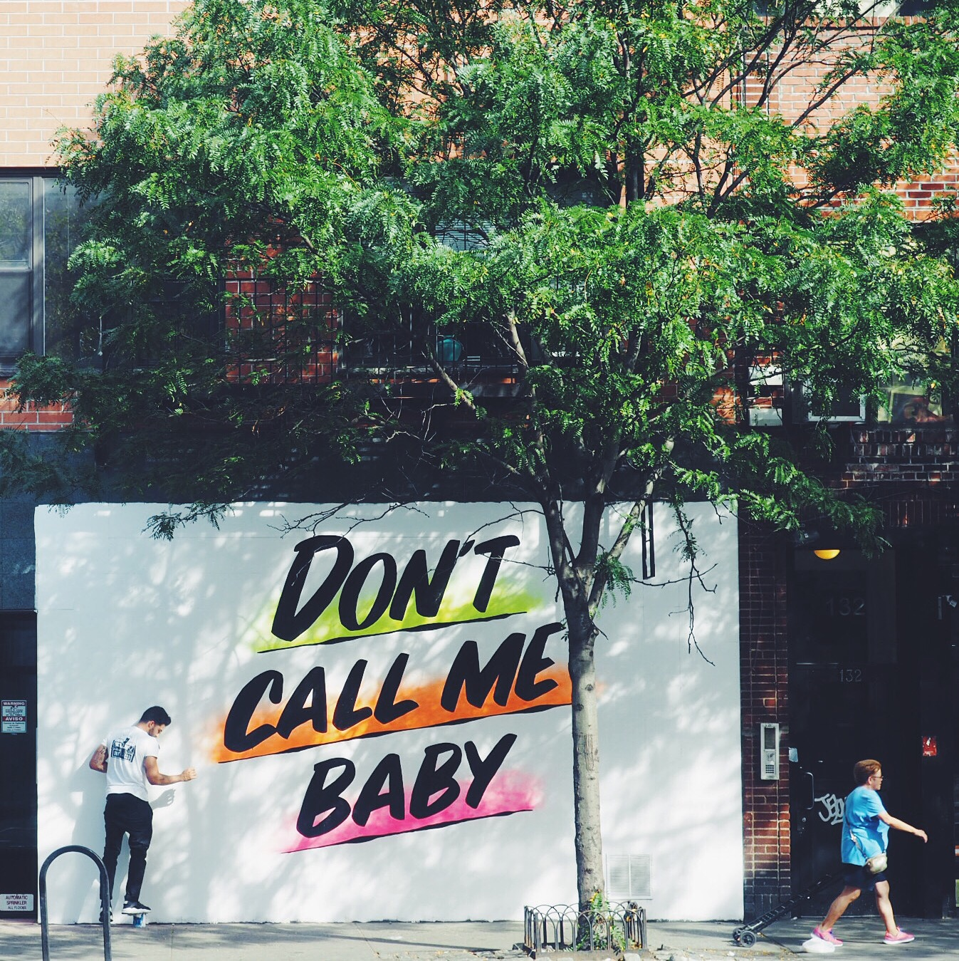 Dont call me baby - streetart i New York