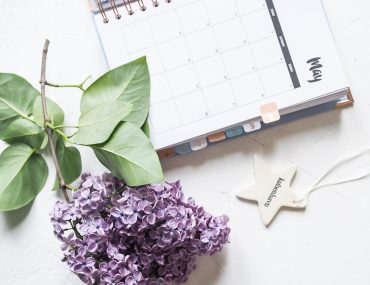 happiness planner kalender, stjerne fra Unika K og syrener i maj