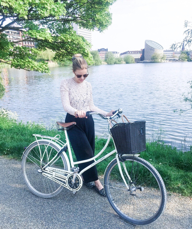 Copenhagenbyme på tur med Yaneeda.com ved Søerne for at finde Københavns bedste pho