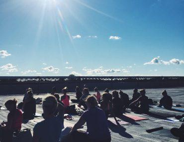 yoga København på en rooftop. Yoga i det fri