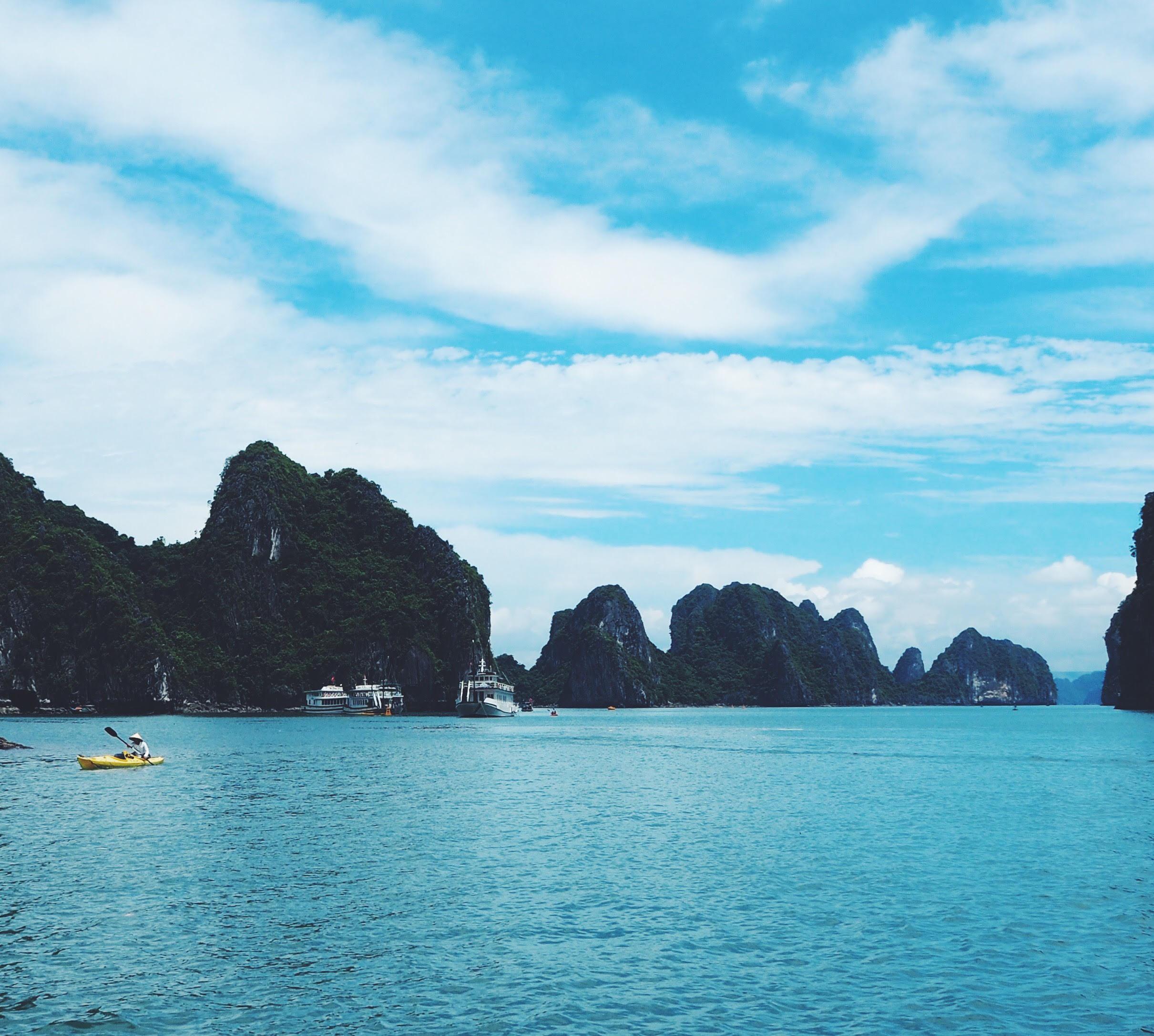 Halong Bay Cruise og Kajak med de lokale vietnamesere i Vietnam