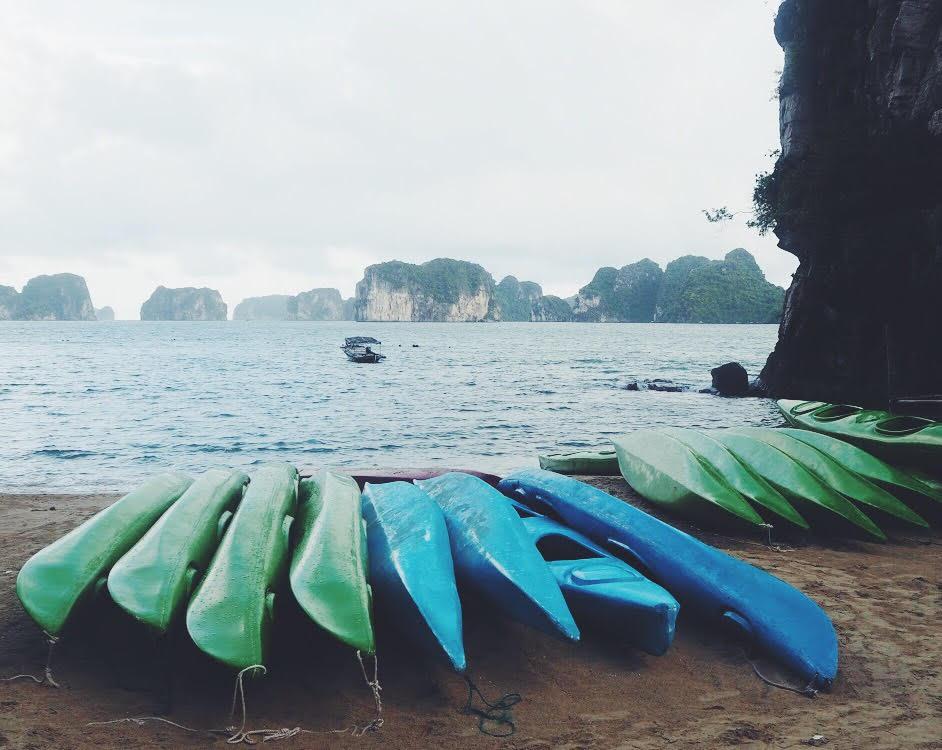 kajak-aktiviteter-halong-bay