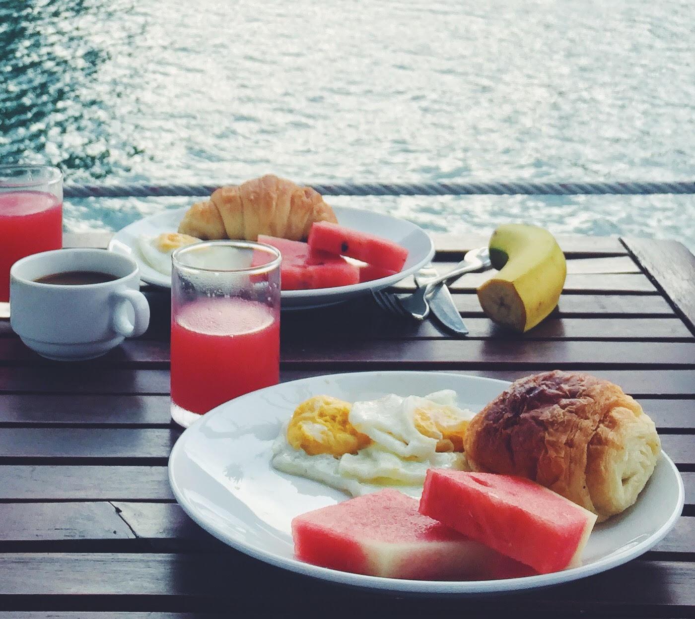 morgenmad-kaffe-halong-bugten