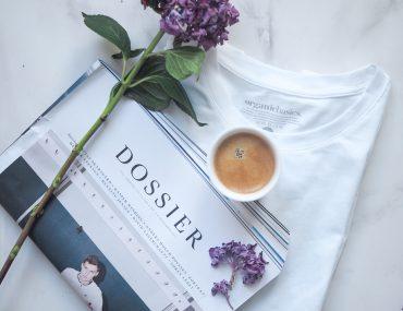Organic Basics t-shirt af økologisk bomuld og kaffe