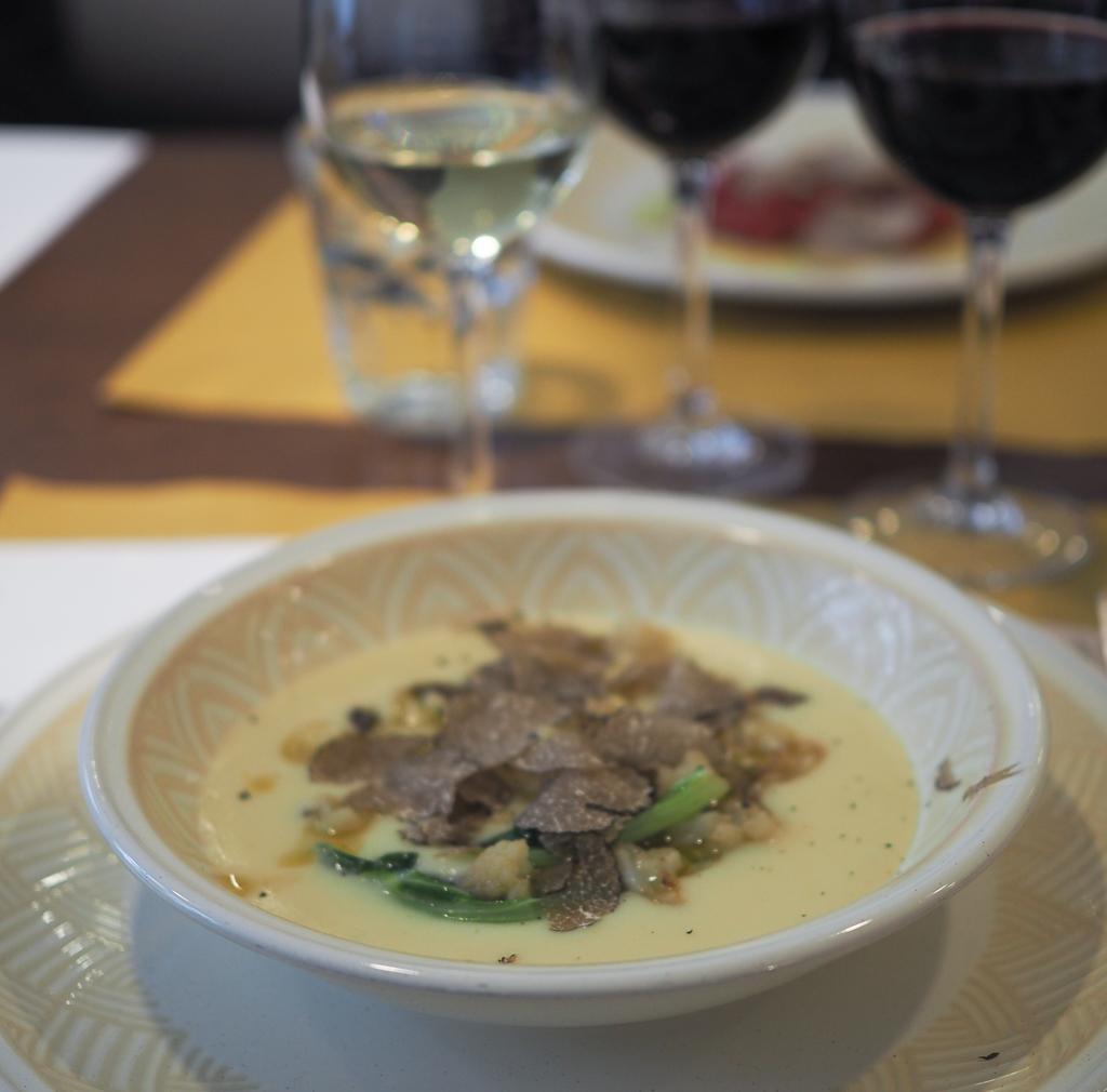 Lækker vegetarret; suppe med trøffel