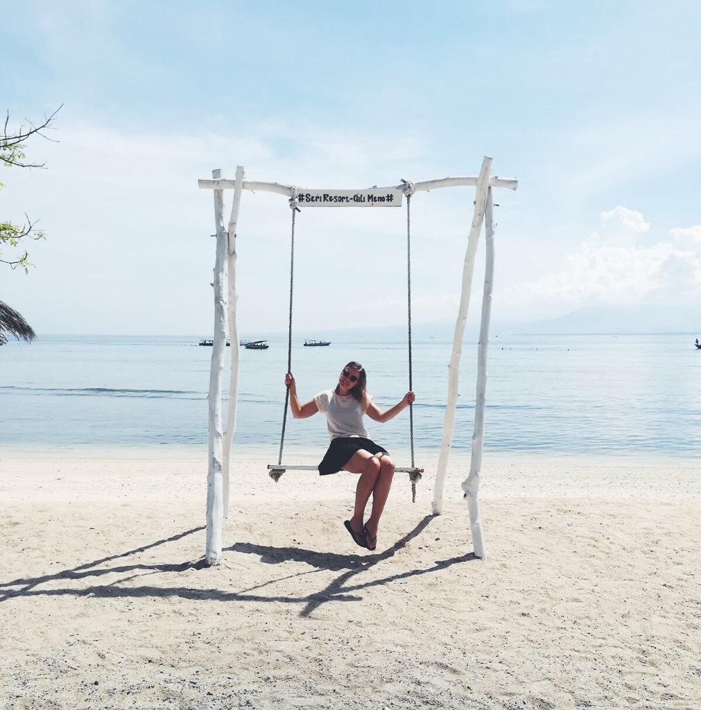 gynge på gili meno ved Seri resort