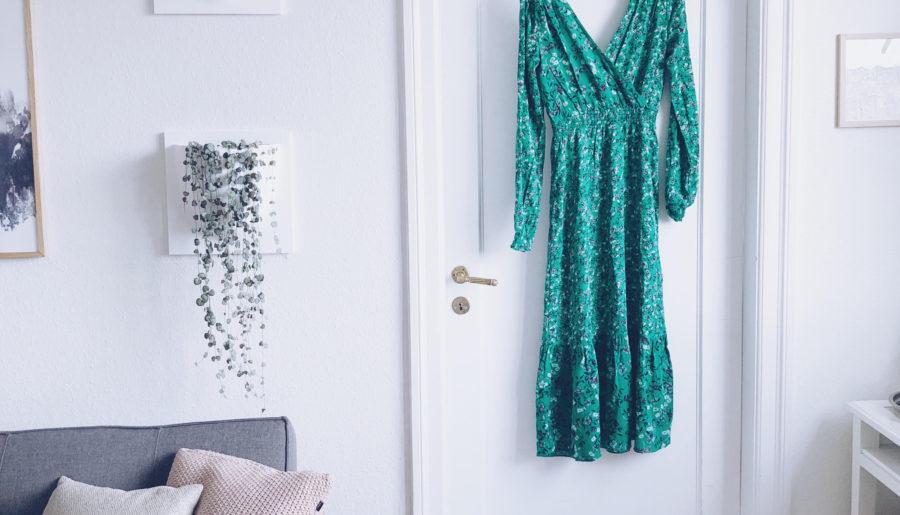Man har et standpunkt.. Til man ser en grøn blomstret kjole