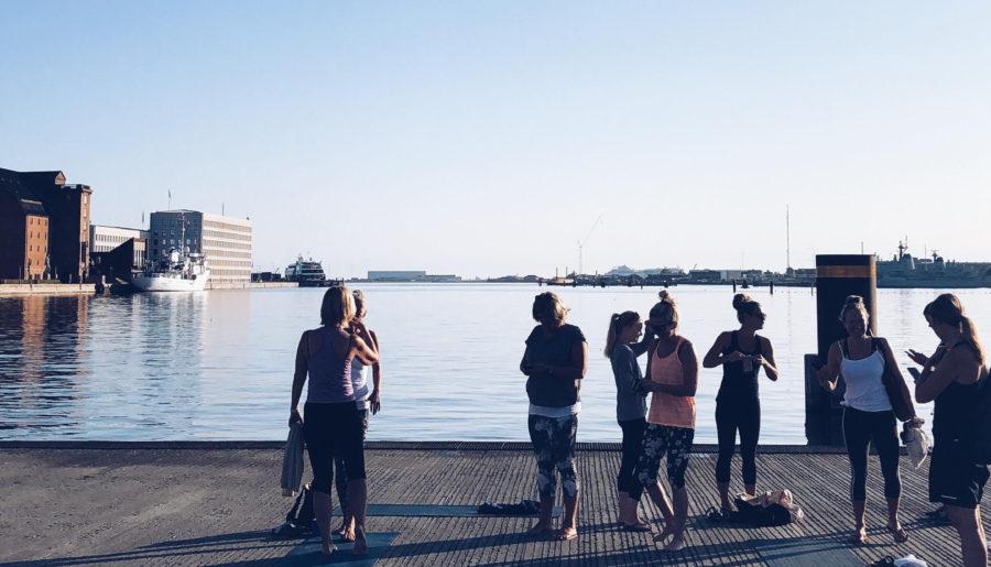 Fantastisk morgenyoga i det fri i København