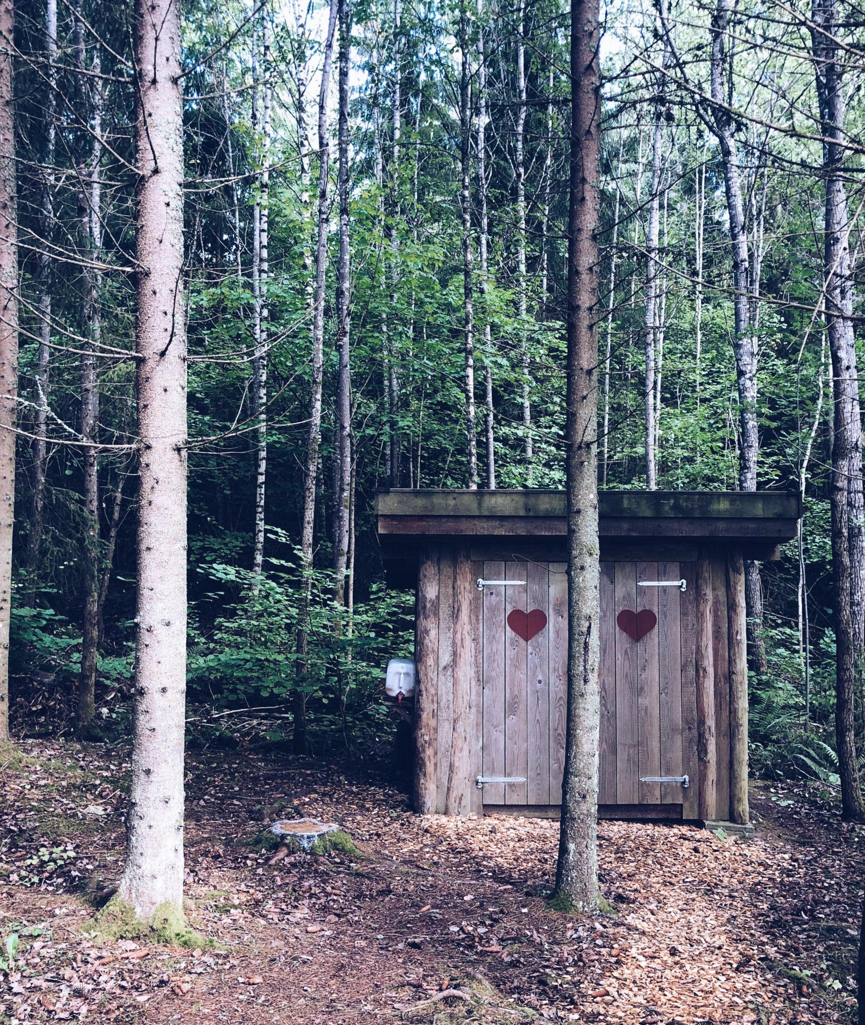 natur toilet i skoven